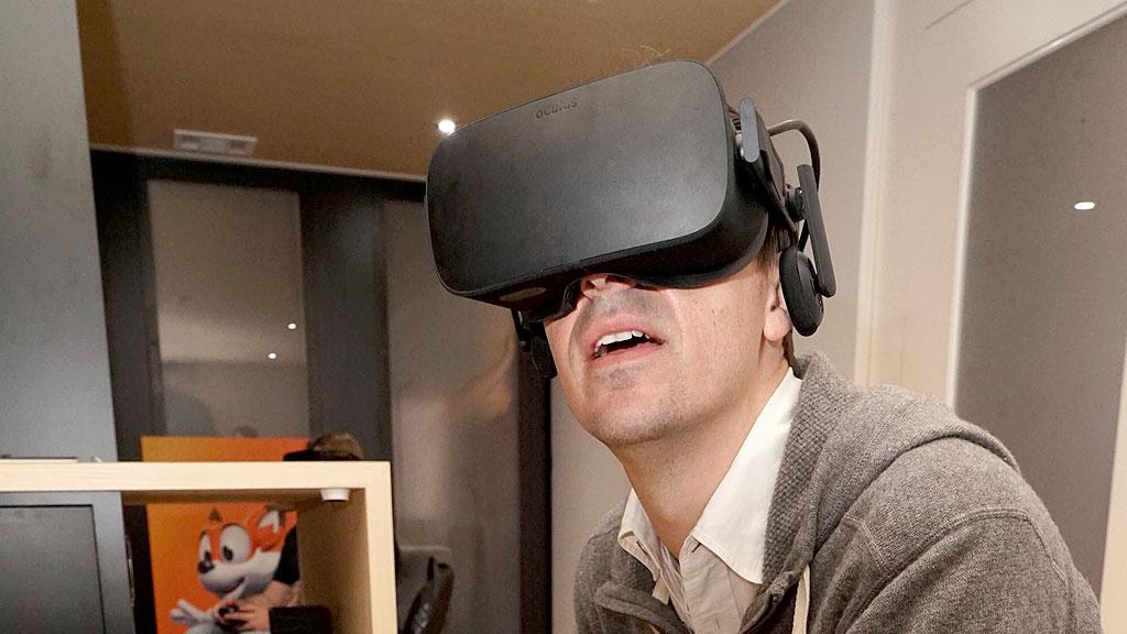 spicone-oculus-rift-user