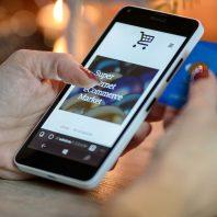 Foto Online-Shopping mobil